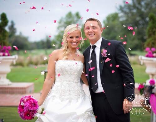 Lãng mạn với tiệc cưới tone hồngtím